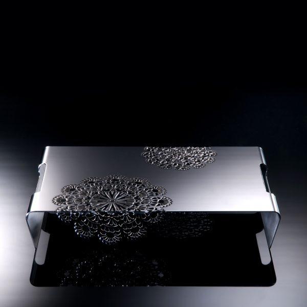 Vassoio di design in acciaio inox con pizzo